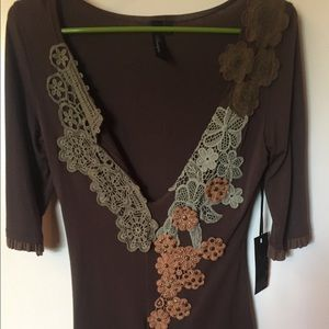 Buckle Shirt with Lace Flower detail